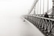 Budapest - Lánchíd, 2014 november. A budai oldal elveszik a reggeli ködben.