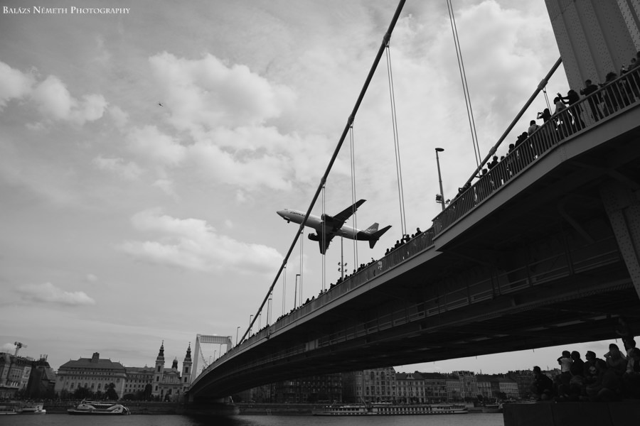 Budapest repülő show